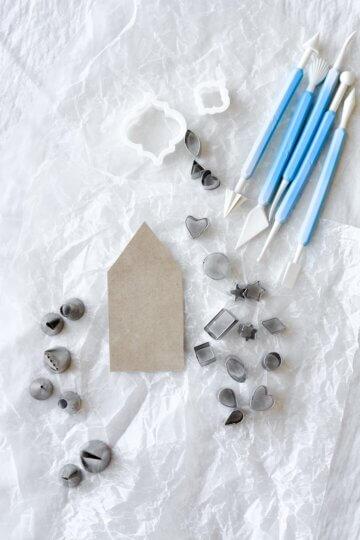 Fondant tool set and mini cookie cutters.